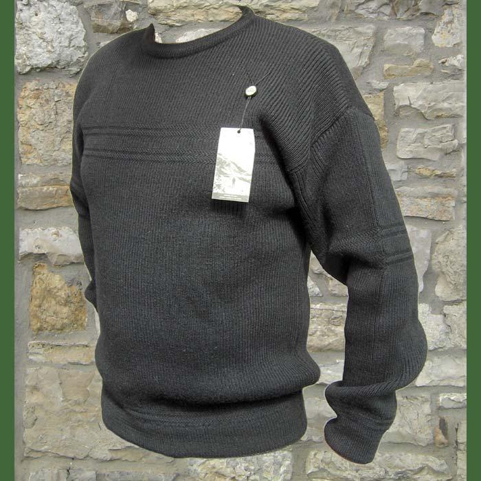 pullover hillwalker ist ein klassischer Rundhals-Pullover aus Schurwolle