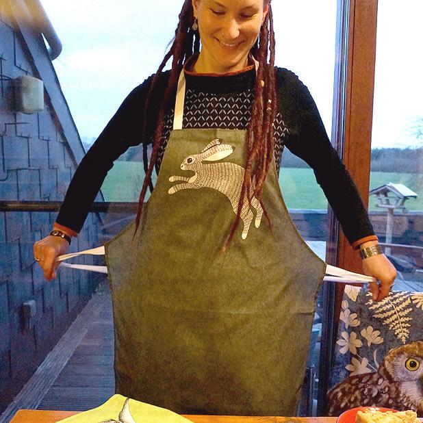 Originelle Küchenschürze moosgrün